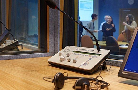 çevirmen odası akustik düzenlemeleri