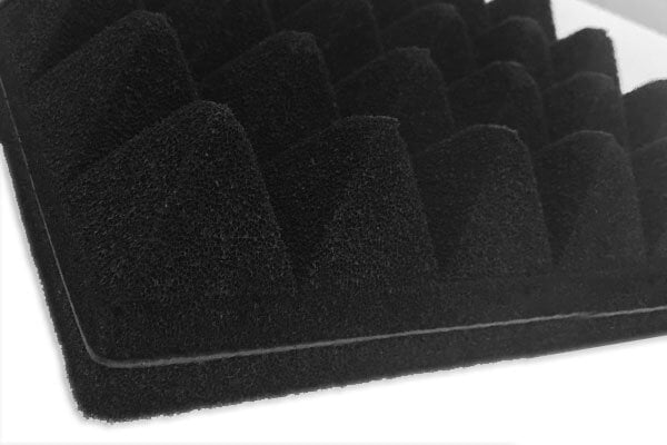bariyerli yanmaz akustik piramit sünger