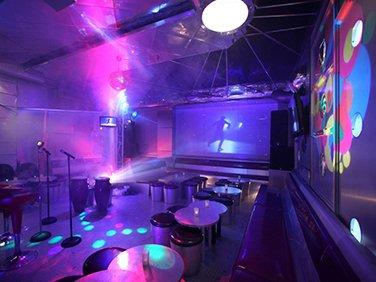 karaoke odası akustik ses performansı