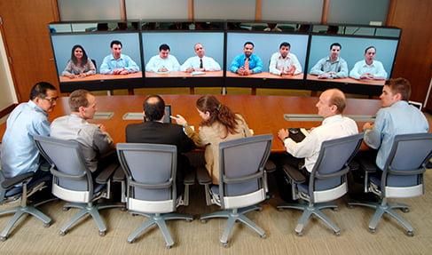 Telekonferans salonu ses izolasyonu