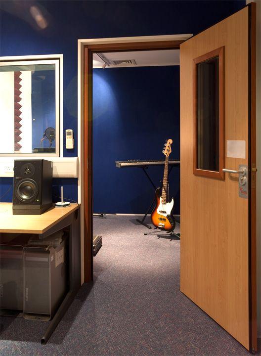 akustik kapı ses yalıtımlı kapı ses geçirmez kapı ahşap kapılar fiyatları