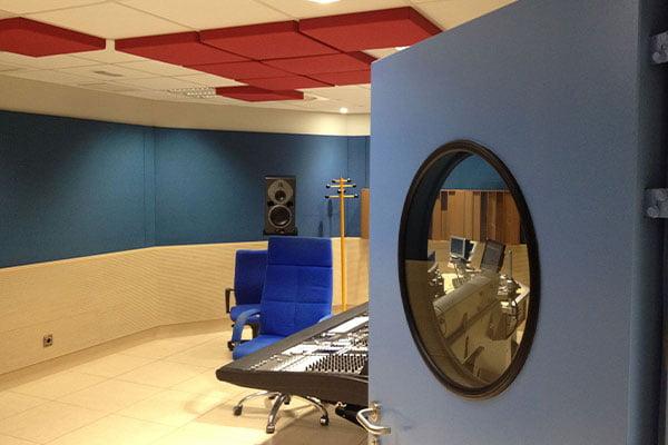 akustik stüdyo kapıları