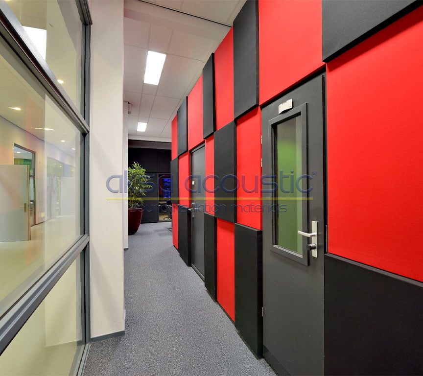 akustik stüdyo kapısı