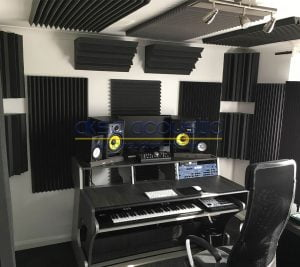akustik stüdyo reji odası sünger kaplama