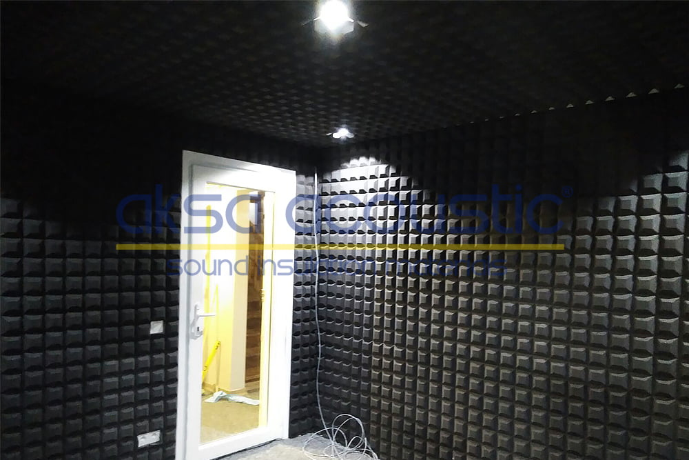 akustik piramit panel uygulaması