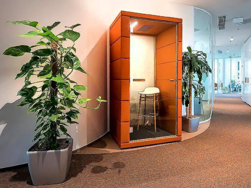 telefon görüşme kabini